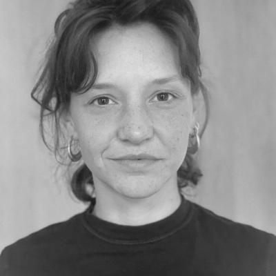 Researcher <br />Lola Pfeiffer